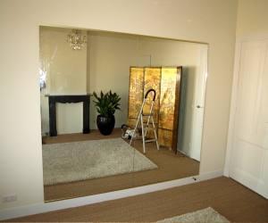 spiegelwand in de aanbieding. Black Bedroom Furniture Sets. Home Design Ideas